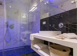 Tritone - Sala da bagno